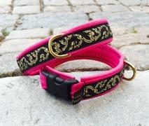 Cerise Rosa skinn SMALT band. Gullranka i guld på svart botten. Totalbredd 2,2 cm