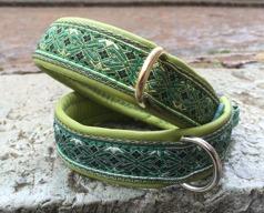 Grönt skinn / Stilfull Alviskt grönt band med Guld detaljer - Totalbredd 3 cm
