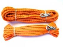 Den klassiska flätade spårlinan i snygg orange färg. Mycket bra spårlina i skogen, glider lätt och drar inte åt sig vatten.    Välj mellan två tjocklekar 6 mm eller 8 mm och två längder 10 m och 15 m.