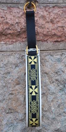 Bredare band Keltiskt kors svart-guld Band bredd 3 cm. Totalbredd 4 cm
