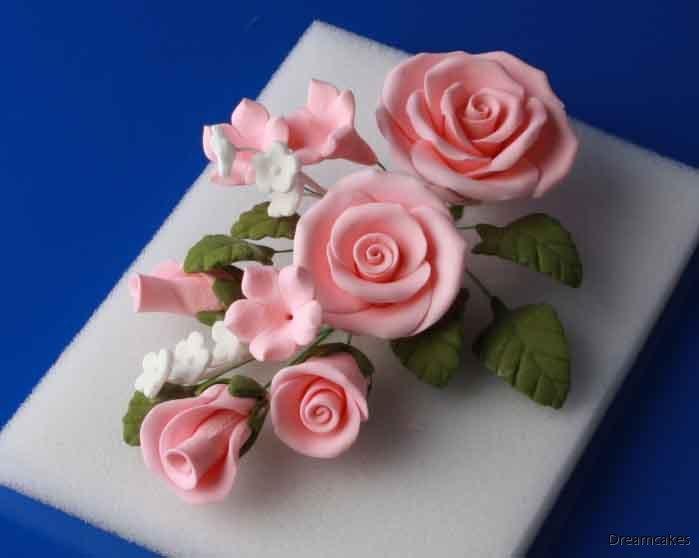 Rosbukett, sockerrosor, bröllopstårta, rosor till tårta, sugarflowers, rosa rosbukett till bröllopstårta, ros