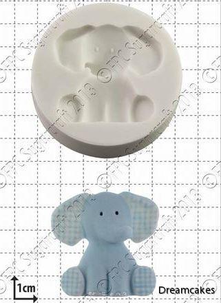 elefantbebis till doptårtan som kanske dekoreras med andra djungeldjur?
