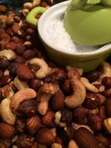 Ugnsrostade nötter med salt