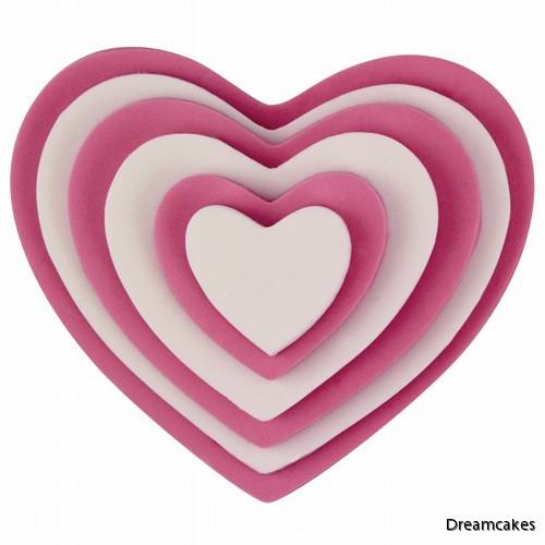 pepparkaksformar hjärtan