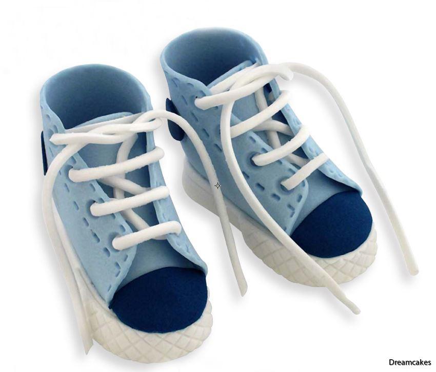 High cut sneaker, dopsko till doptårta, sneaker till doptårta, sko till barntårta