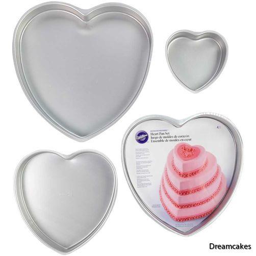 Hjärtårtor bakar du lätt med dessa bakformar