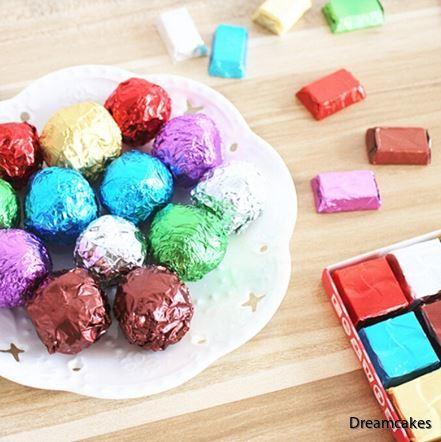 foliepapper, godispapper, kolapapper, chokladpraliner, omslag för choklad och kola, karamellpapper, kramellfolie, julgodis