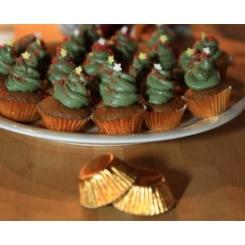 Längtar du efter pepparkakor? Då kommer du älska de här minimuffinsen med pepparkakskrydda och vaniljtopping.