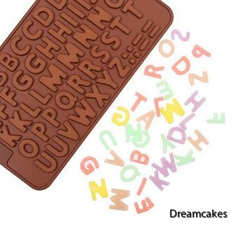 gör enkelt dina chokladbokstäver till tårtan själv!