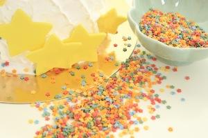Figurströssel är  det enklaste sättet att dekorera tårta på!