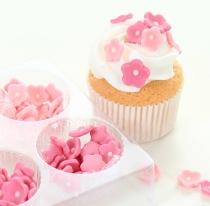 Fina sockerblommor att sätta på tårtan eller din muffins/cupcakes finns här i många utföranden.