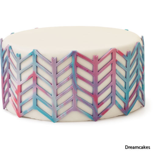 Mönstermatta med zickzack-mönster till tårtan hittar du här