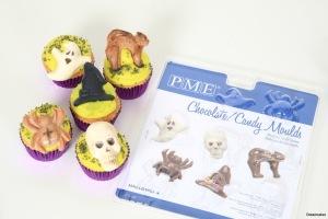Gjut fina chokladdekorationer i någon av våra chokladformar