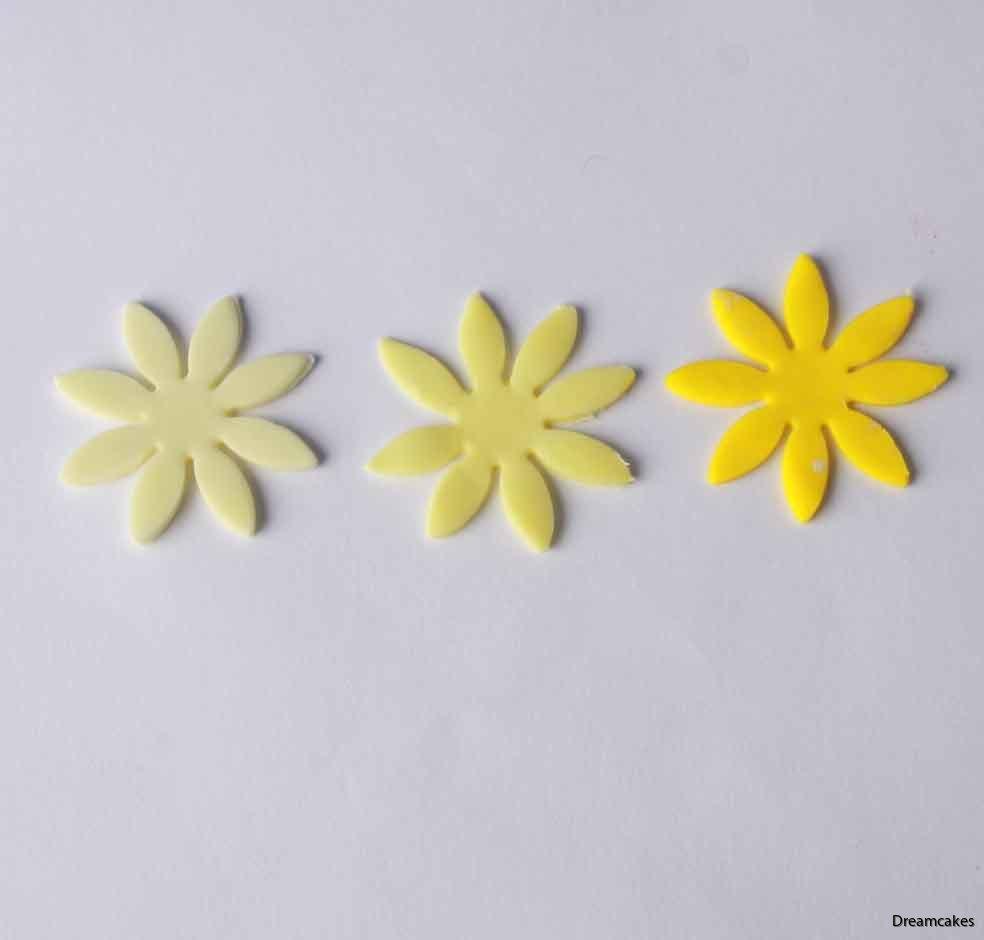 Gul pastafärg för infärgning av tårtdekorationer