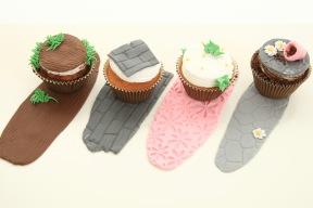 Ge sockerpastan och marispanen ett snyggt mönster med en mönstermatta!