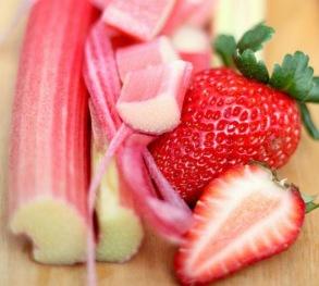 Mousse - Rabarber med jordgubbsbitar - 60 gram