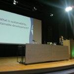 Alicia Jimenez talar om hållbar utveckling i Costa Rica_Alicia Jimenez puhuu kestävästä kehityksestä Costa Ricassa