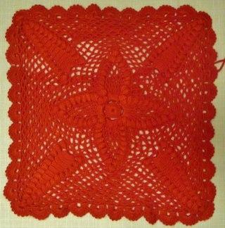 Virkat kuddfodral fyrkantigt - Röd