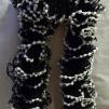 Volanghalsduk svart och vit