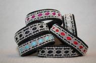 Produktnamn VILHELMINA, bredd ca 1,7 cm. Armbandet går att få i alla skinnfärger som finns i våra färgkartor. I beställningsformuläret bestämmer du hur långt armbandet ska vara, färg på bottenskinn samt färg på inre skinnband. Pris:470SEK