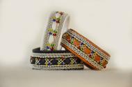 Produktnamn LUMI, bredd ca 1,9 cm. Armbandet går att få i alla skinnfärger som finns i våra färgkartor. I beställningsformuläret bestämmer du hur långt armbandet ska vara, färg på bottenskinn samt färg på inre skinnband. Pris:550SEK