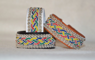 Produktnamn AILI, bredd ca 2 cm. Armbandet går att få i alla skinnfärger som finns i våra färgkartor. I beställningsformuläret bestämmer du även hur långt armbandet ska vara. Pris:560SEK