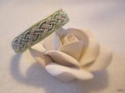 """Ett """"Stockholm"""" på grönt skinn där vi lagt till två gröna koppartrådar. Går att mixa och matcha i oändlighet."""