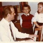 Vid pianot med barnen