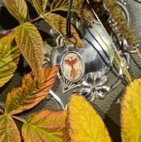 ELDFÅGEL akvarell halsband 300:-