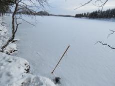 2016-11-06, var isen för tunn på Glytjärn, 4 - 6 cm, dagen efter var den 5 - 7 cm.
