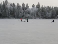 9 cm is i dag på Glytjärn, 28/11 - 2020.