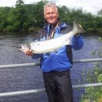 Peter Pettersson med sin blanka nystigna lax på 5 kg och 78 cm! Fångad på Gröningen 23/7.
