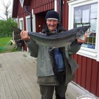 Lennart Nilsson med sin lax på 9 kg och 92 cm! Fångad 29/5 på Gröningen.