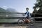 Cykla med barn. I Gmunden vid Traunsee med berget Traunstein i bakgrundent© OÖ.Tourismus - Weissenbrunner
