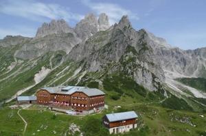 Hofpürglhütte under Bischofsmütze, Gosaukamms högsta topp