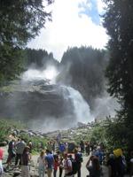 Krimmler Wasserfälle Touristen © Wikimedia Commons - Friedrich Fröbel