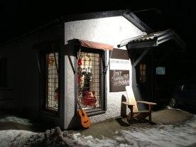 Gitarrateljens butik har lämnat det lilla huset i Fristad