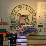 Lillmatte Emmy hämtar pris för Lena Sundberg och Bäcklundens Eko