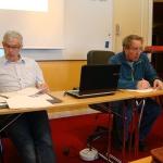 Hans Olofsson noterar och Bert-Ove Bäckman mötesordförande