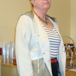 Ingeborg Stensdotter lämnar styrelsen efter många år. Och fär välförtjänt klubbens hedersmärke i guld.