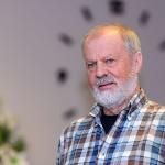 Ordförande Gottne Lindgren hälsar alla välkomna till årsmötet