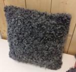 Kudde utan hjärta, 45*45cm med ull på båda sidor 1500kr, ull på en sida med kraftig vadmal på den andra,  950kr