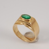 Klackring i guld med Smaragd