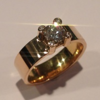 Ring i guld med Diamanter