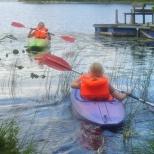 Låna våra två kajaker  & upplev naturen runt sjön