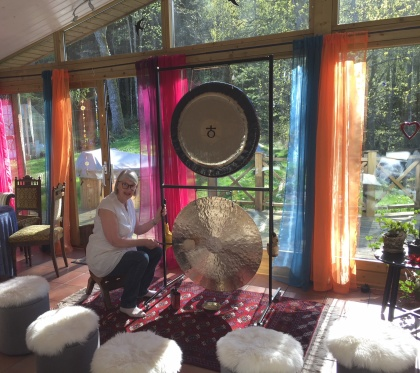 Gong behandling - gong yoga & behandling med gong hos Inger på Hölseböke Naturhälsogår mellan Falkenberg, Torup och Halmstad