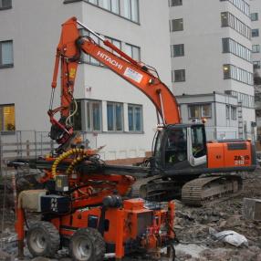 Hitachi 23 ton