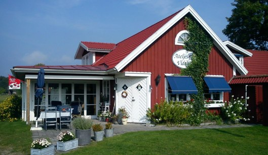 Willkommen in unserem gemütlichen Geschäft mit Café!