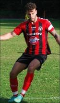 Söders Dennis Mar-zouki kvitterade med sina två mål Med-skogs 2-0-ledning.