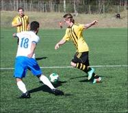 Daniel Johansson, ny från Essvik satte två baljor i sin div. III-debut för Kuben. Foto: Janne Pehrsson, Lokalfotbollen.nu.